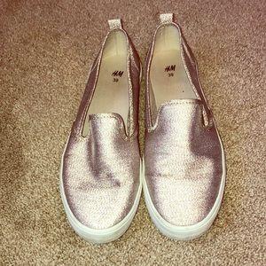 Lightly worn gold glitter slip on sneaker!